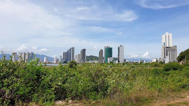"""Khánh Hòa: Doanh nghiệp địa ốc """"đánh trống, ghi tên"""" dự án rồi bỏ hoang"""