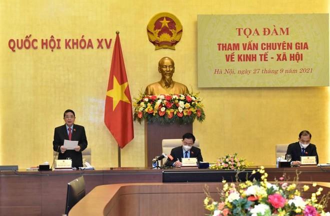 Phó chủ tịch Quốc hội Nguyễn Đức Hải phát biểu tại toạ đàm sáng 27/9