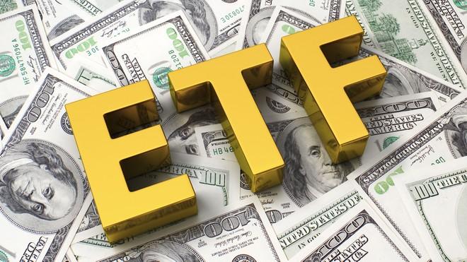 """""""Lách room"""", hàng ngàn tỷ đồng đổ vào quỹ ETF"""