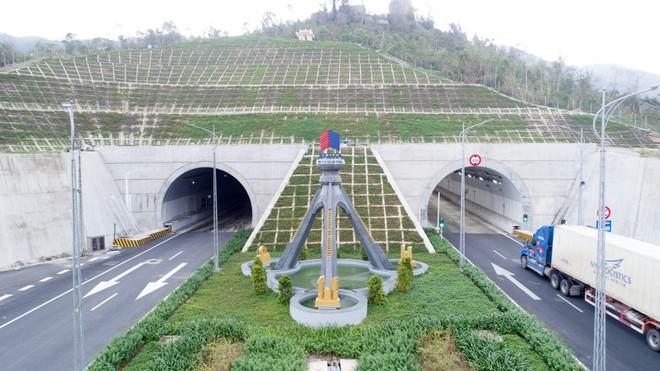 Hầm đường bộ Đèo Cả do HHV đầu tư, thi công và vận hành