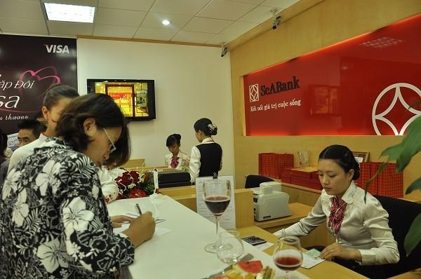 SeABank hoàn tiền cho chủ thẻ mua hàng tại Fuji Mart và Seika Mart