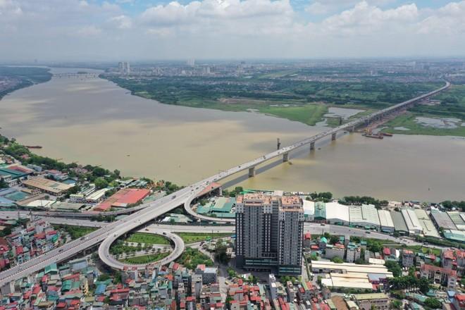 Cầu Vĩnh Tuy giai đoạn 2, dự án đang được nhà thầu Vinaconex tập trung thi công đúng tiến độ