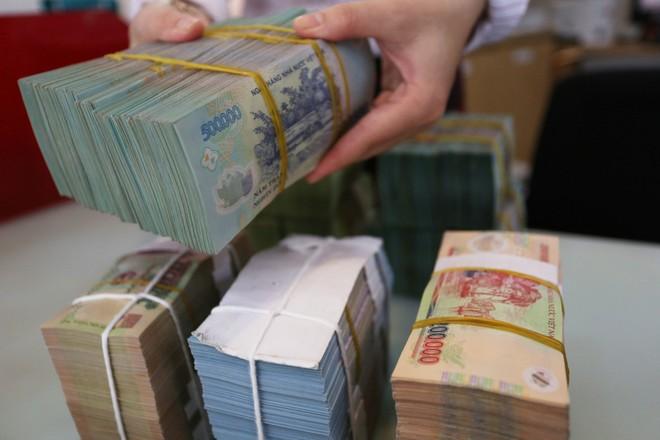 Ngành ngân hàng cơ cấu lại thời hạn trả nợ cho 241.443 khách hàng với dư nợ 326.299 tỷ đồng
