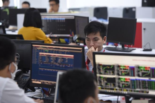 8 ngành có cổ phiếu hấp dẫn đầu tư nhất trong năm 2020