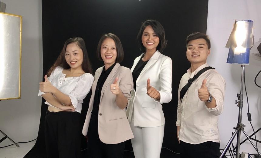 Sự kiện bị hoãn có sự đồng hành của Hoa hậu Hoàn vũ Việt Nam 2017 H'hen Niê.