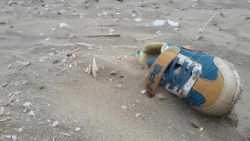Rác thải đang đe dọa môi trường biển. Ảnh: Thành Nguyễn.