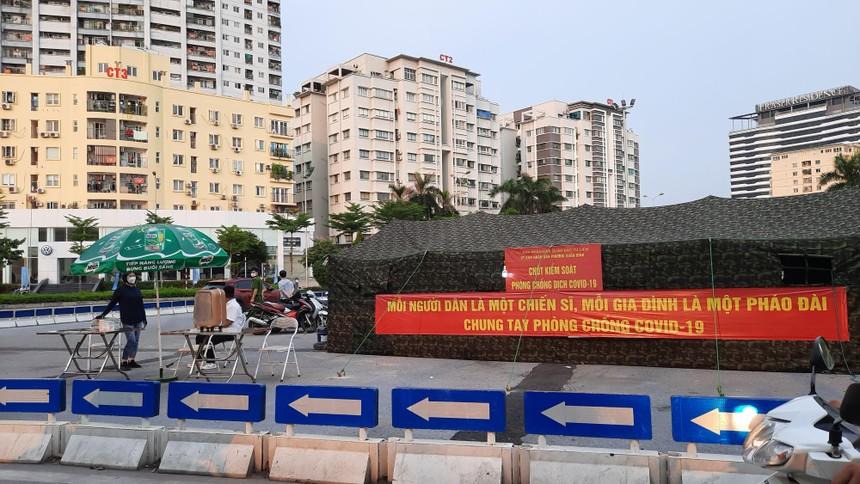 Việt Nam đang đẩy mạnh tiến độ tiêm phòng vắc-xin bên cạnh các giải pháp hạn chế dịch lây lan. Ảnh: Thành Nguyễn.