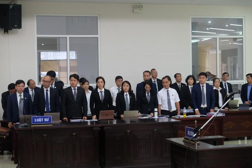 Các luật sư tham gia phiên tòa