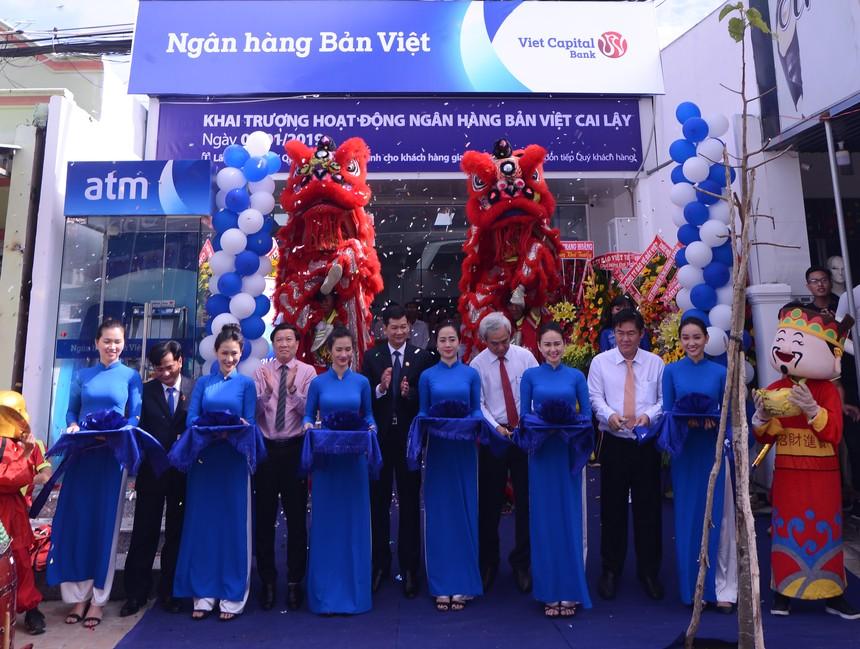 Ngân hàng Bản Việt Cai Lậy khai trương trụ sở mới