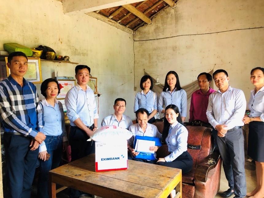 Eximbank mang yêu thương đến với người nghèo tại tỉnh Quảng Ninh