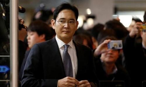 Ông Lee Jae-yong trước phiên điều trần tại Quốc hội tháng 12/2016. Ảnh: Reuters