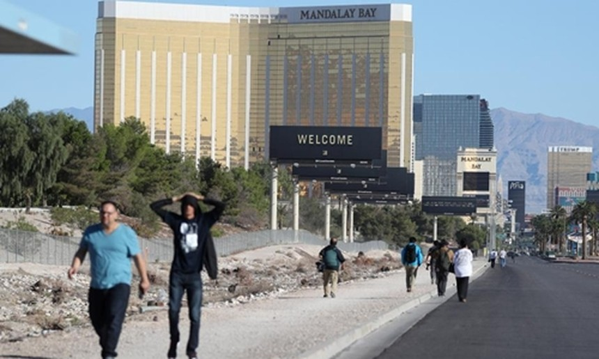 Mandalay Bay Resort and Casino ở Las Vegas. Ảnh: Reuters.