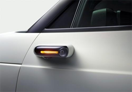 Gương chiếu hậu của Honda E là camera thay vì gương kiểu truyền thống và tích hợp cả đèn xi-nhan.