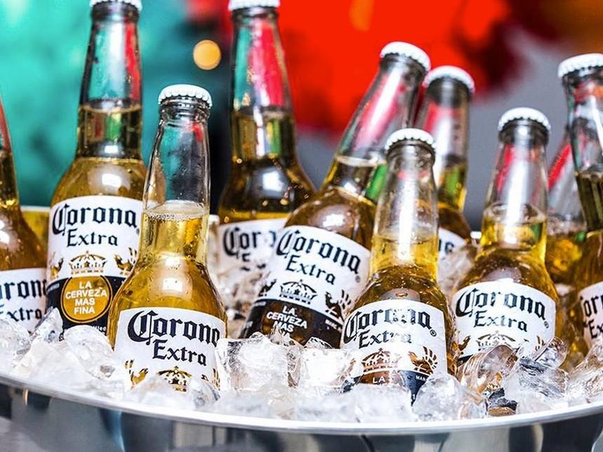 Cùng là Corona nhưng tên hiệu bia có trước tên chủng virus khoảng 4 thập niên. Ảnh: Internet.