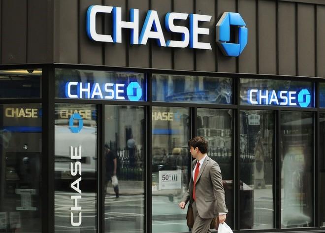 Các ngân hàng Mỹ có thêm khoảng 2.000 tỷ USD tiền gửi kể từ tháng 1. Ảnh: Fortune.