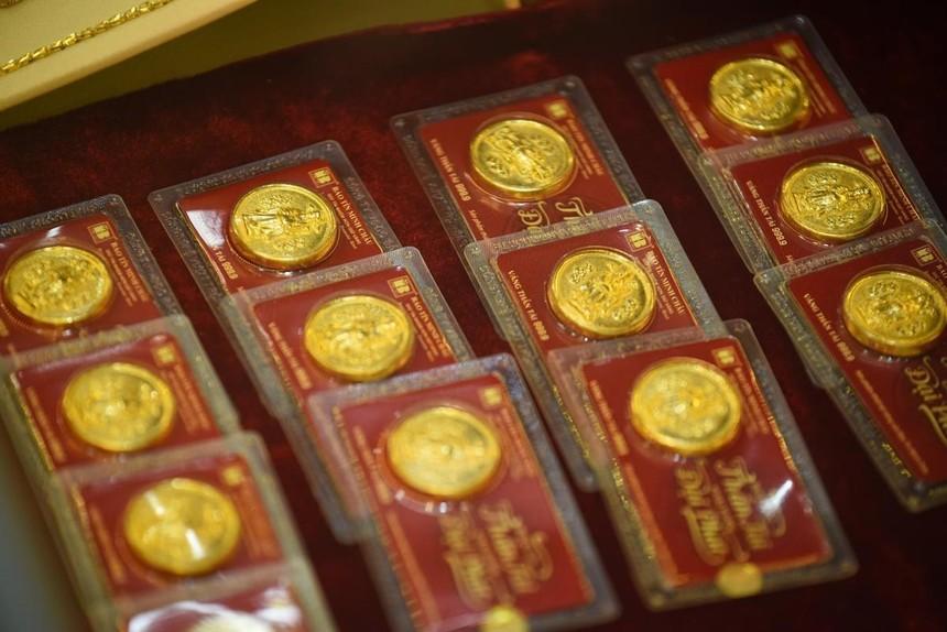Giá vàng hôm nay ngày 3/4: Giá vàng tăng thêm gần 100.000 đồng/lượng