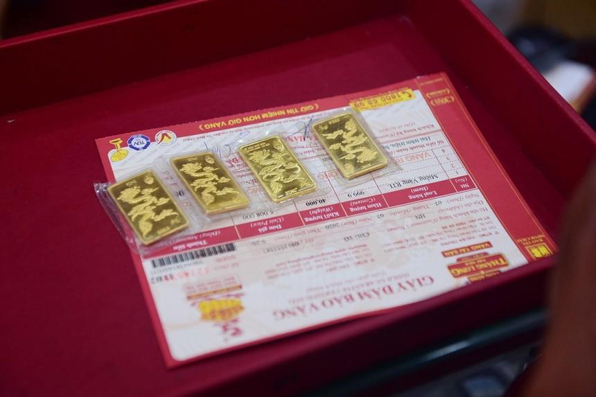 Giá vàng hôm nay ngày 15/4: Giá vàng giảm do chịu tác động từ Bitcoin