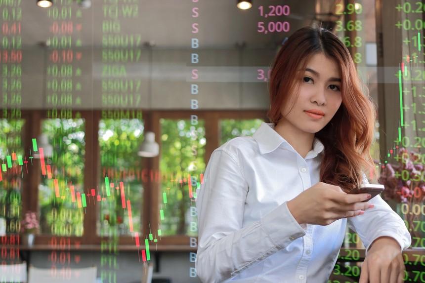 Nhận định thị trường phiên giao dịch chứng khoán ngày 3/6: Ngưng mua mới và quan sát