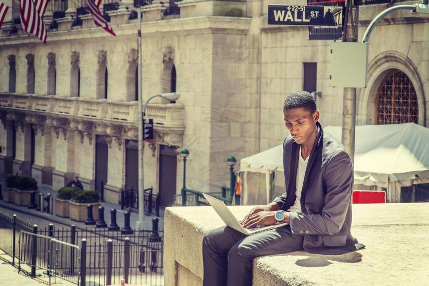 Thị trường tài chính 24h: Dòng tiền trên thị trường chứng khoán ngày càng lớn
