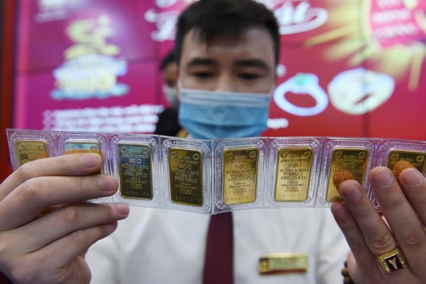 Giá vàng hôm nay ngày 18/9: Giá vàng hãm được đà rơi