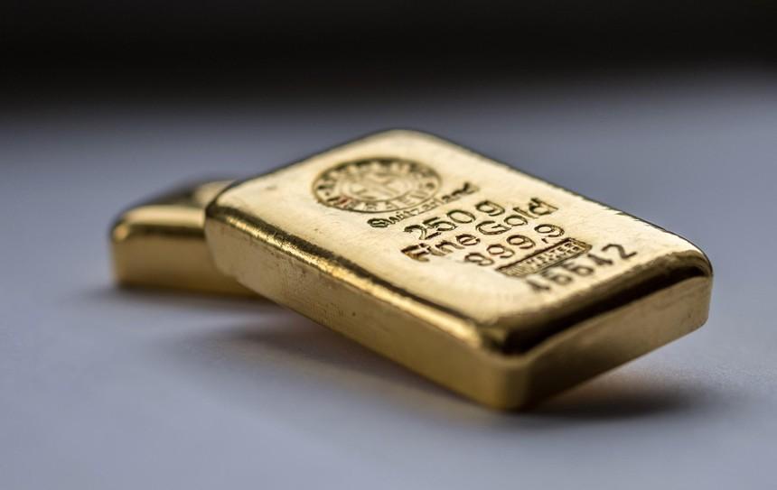 Giá vàng hôm nay ngày 4/10: Giá vàng tăng hơn 200.000 đồng/lượng