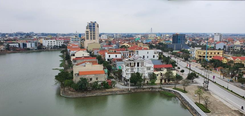 Dự án Phát triển môi trường, hạ tầng đô thị để ứng phó với biến đổi khí hậu thành phố Đồng Hới đang chậm tiến độ. Ảnh: TP Đồng Hới