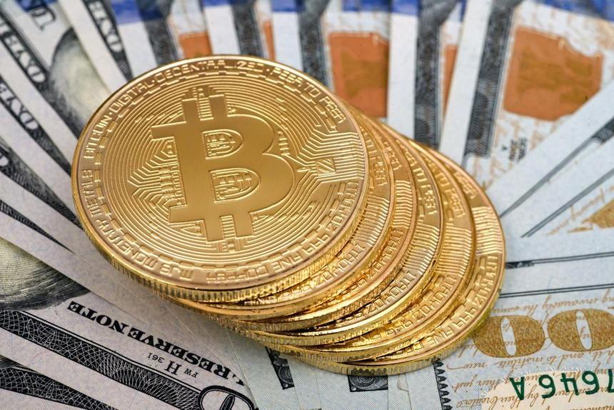 """Nỗi sợ """"nhỡ tàu"""" Bitcoin lan rộng"""