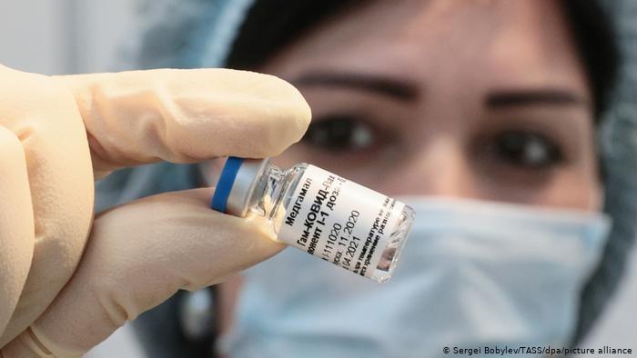 EU bắt đầu xem xét vắc xin Sputnik của Nga
