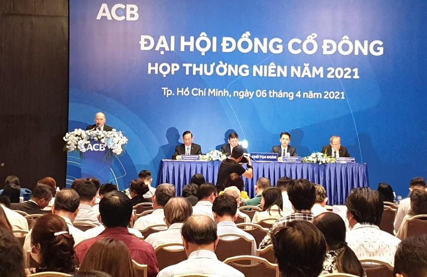 Đại hội đồng cổ đông ACB: Trả cổ tức bằng cổ phiếu 25%, không thoái vốn khỏi ACBS