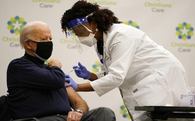Tổng thống Mỹ ủng hộ xoá bỏ sở hữu trí tuệ vắc xin Covid-19 và sự phẫn nộ của ngành dược