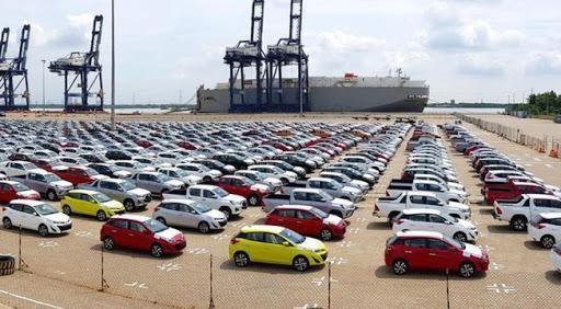 Doanh số bán ra giảm sút, hãng xe ôtô đua nhau giảm giá để kích cầu