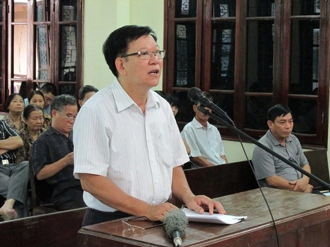 Ông Lương Ngọc Phi tại phiên tòa sơ thẩm ngày 4/8/2015 kiện TAND tỉnh Thái Bình
