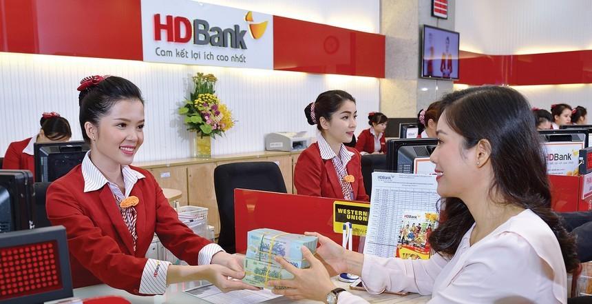 Cổ đông lớn đã mua 7,4 triệu cổ phiếu HDB, tiếp tục đăng ký mua đủ 10 triệu cổ phiếu