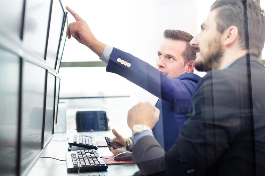 Giao dịch chứng khoán khối ngoại ngày 4/10: Tập trung bán cổ phiếu ngân hàng