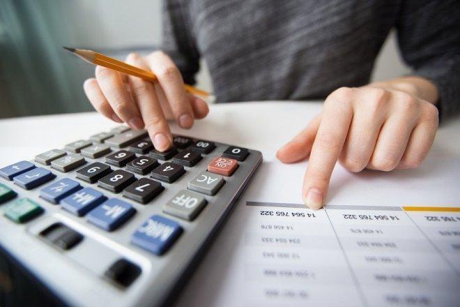 Bộ Tài chính đề xuất tiếp tục gia hạn giảm nhiều khoản phí, lệ phí