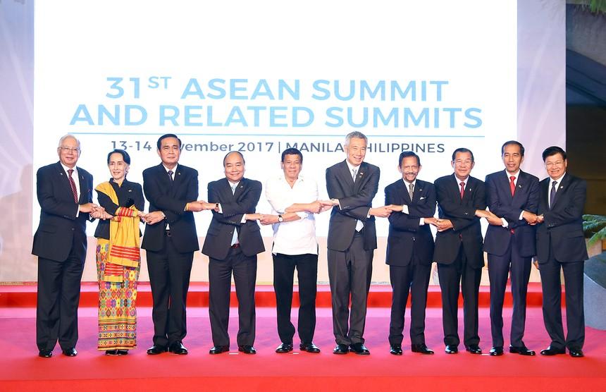 Thủ tướng Nguyễn Xuân Phúc và lãnh đạo các nước ASEAN.