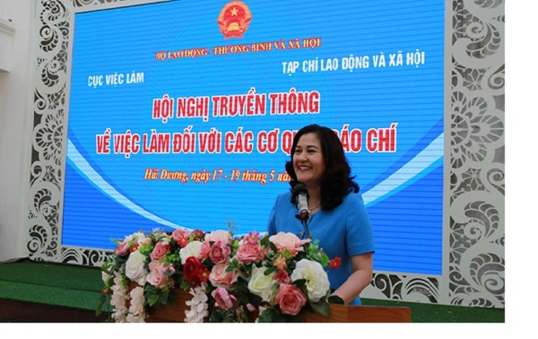 Thứ trưởng Bộ Lao động – Thương binh và Xã hội Nguyễn Thị Hà phát biểu tại Hội nghị.