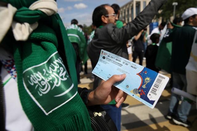 Phe vé của các trận đấu phổ biến nhất đã được bán với giá hơn 52 triệu đồng/vé. (Nguồn: REUTERS/CARL RECINE).