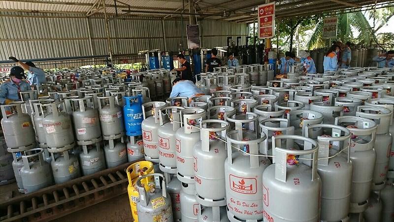 Giá gas tháng 8 tăng 11.000 đồng/bình 12 kg.