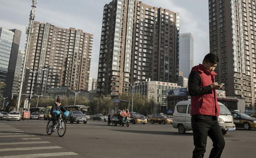 """Doanh nghiệp bất động sản Trung Quốc """"điêu đứng"""" trước nguy cơ mới"""