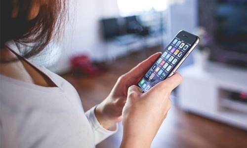 Nóng máy, pin nhanh hết, tốn dữ liệu 3G... là dấu hiệu cho thấy smartphone có thể bị nghe lén.