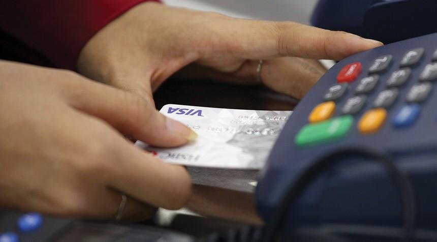 Thẻ tín dụng đang có tốc độ tăng trưởng tới 50%/năm.