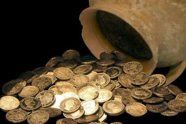 Một người dân đã yêu cầu Bộ Tài chính bồi thường 30.600 USD cho một kho báu mà anh tìm thấy nhưng đã bị cảnh sát làm mất.
