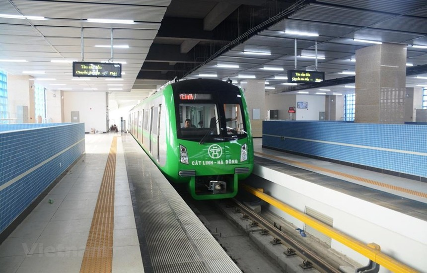 Dự án đường sắt đô thị Cát Linh - Hà Đông liên tục bị chậm tiến độ và chưa rõ ngày đưa vào khai thác thương mại. (Ảnh: Việt Hùng/Vietnam+).