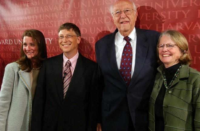 Gia đình là nền tảng quan trọng tạo nên thành công của Bill Gates. Ảnh: Getty Images.