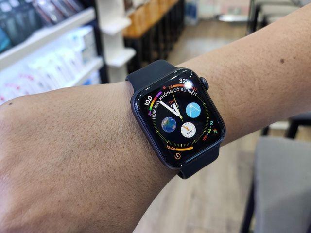 Apple Watch đang bán chạy tại Việt Nam.