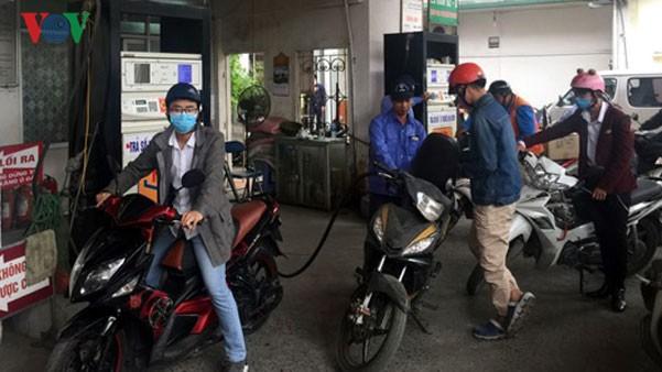 Giá xăng dầu giảm giá từ 15h ngày 31/8.