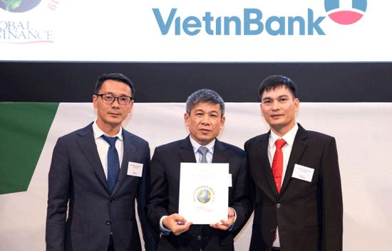 """VietinBank vinh dự nhận giải """"Đơn vị cung cấp dịch vụ ngoại hối tốt nhất Việt Nam"""" năm 2019."""