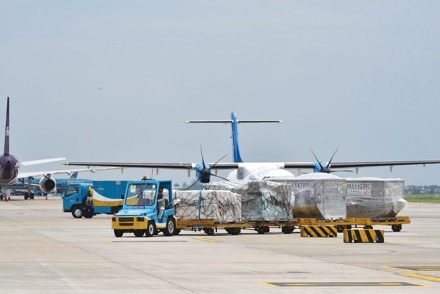 """Nâng cấp, cải tạo khu bay: """"Mắc kẹt"""" với ACV"""