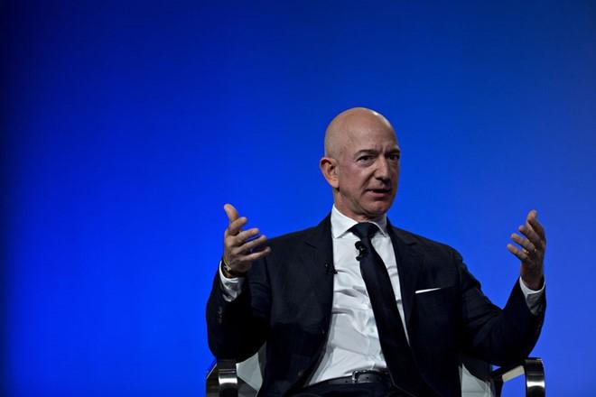 Tỷ phú Jeff Bezos mất 6,9 tỷ USD trong một đêm. Ảnh: Bloomberg.